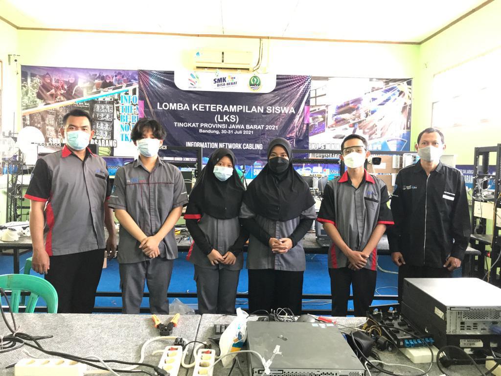 Juara 3 Lomba Kompetensi Siswa SMK Tingkat Provinsi Jawa Barat